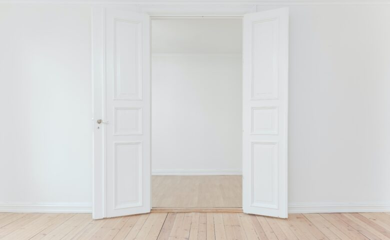 自宅に自動ドアがあると便利になるのはどんな人?