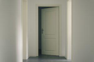 玄関ドアのリフォームと合わせて自動ドア化もおすすめ