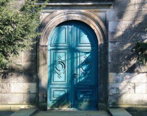 玄関ドアの材質と種類