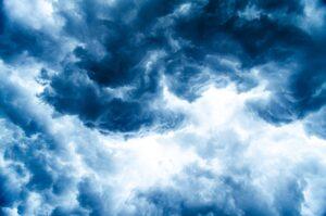 台風による自動ドアへの被害・対策
