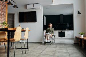 車椅子利用者が通れる開口部の幅