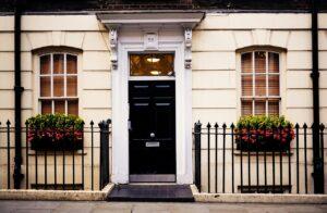 家のドアは開き戸と引き戸の使い分けが大事