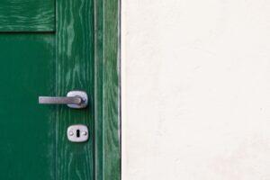 玄関ドアは後付けで自動ドアにできます