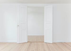 ドア事故防止対策としての自動ドア